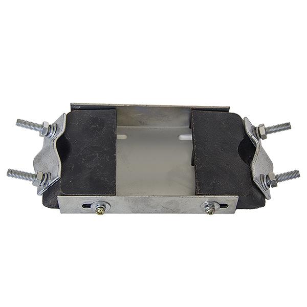 Základová deska pro uchycení čtyřtaktního motoru do rámu pro motokolo